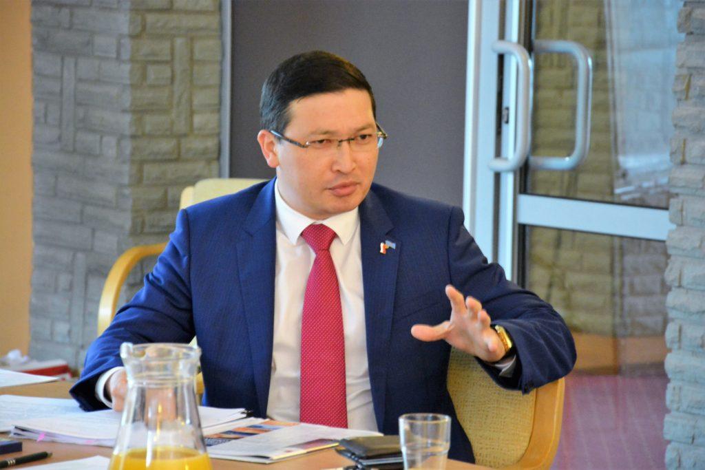Ambasador Kazachstanu w Polsce Margułan Baimuchan.