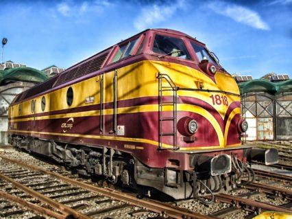 image-train-143847_1920